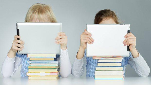enfant-tablette-steve-jobs
